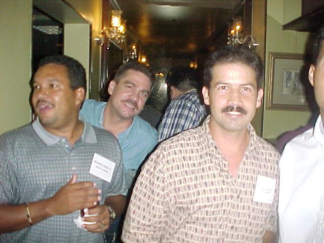 Papi, Nachy y Edwin.  Foto cortesia de paxie.