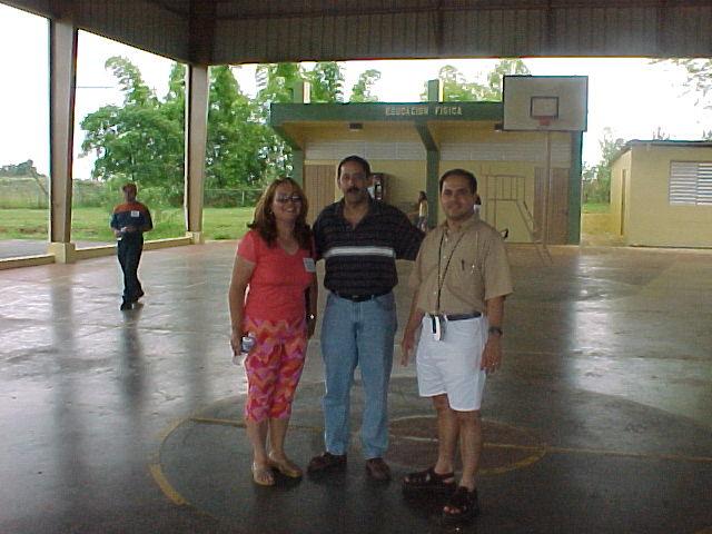 Nilda, Patricio y Jose.  Foto cortesia de Paxie.